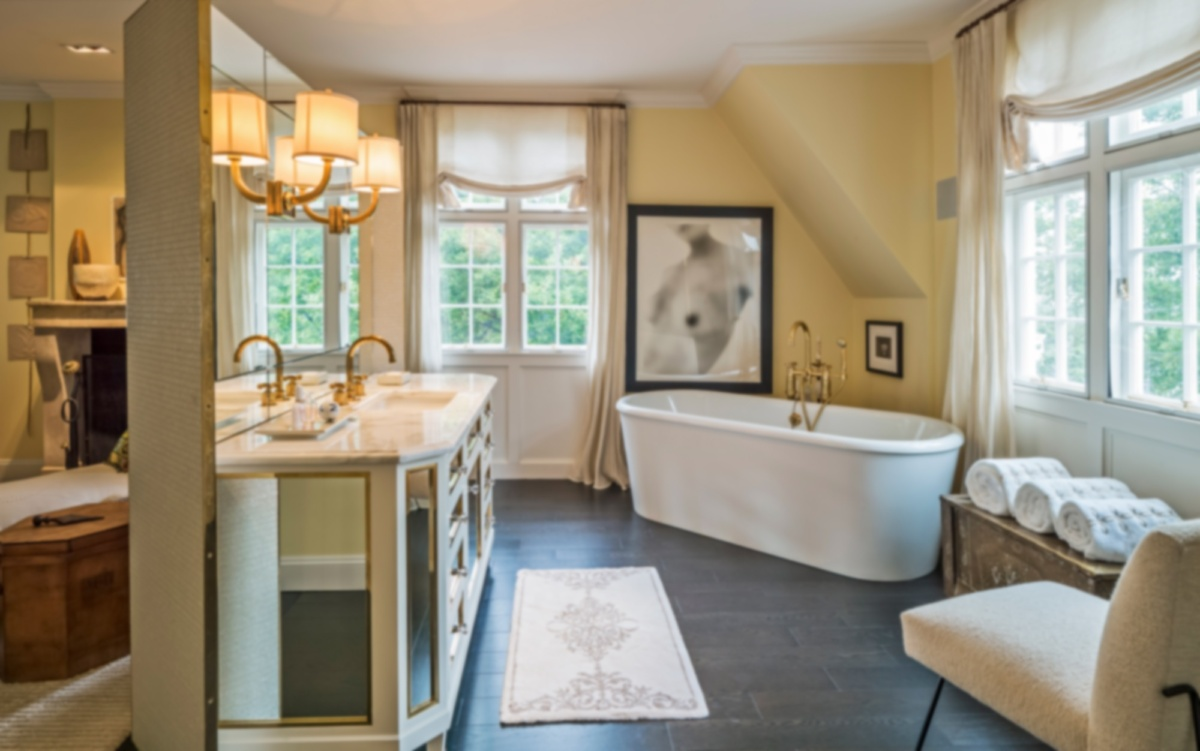 1920s Carriage House Conversion Bathtub