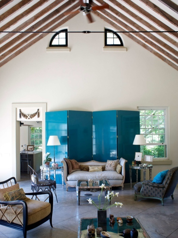 Hamptons Retreat Living Room Ceiling