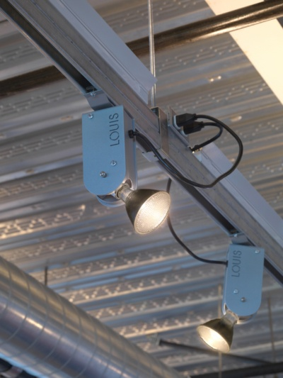 Louis Fan Pier Retail Track Lighting