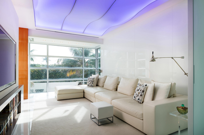 Palm Beach Deco Oceanfront and Cabana Family Room
