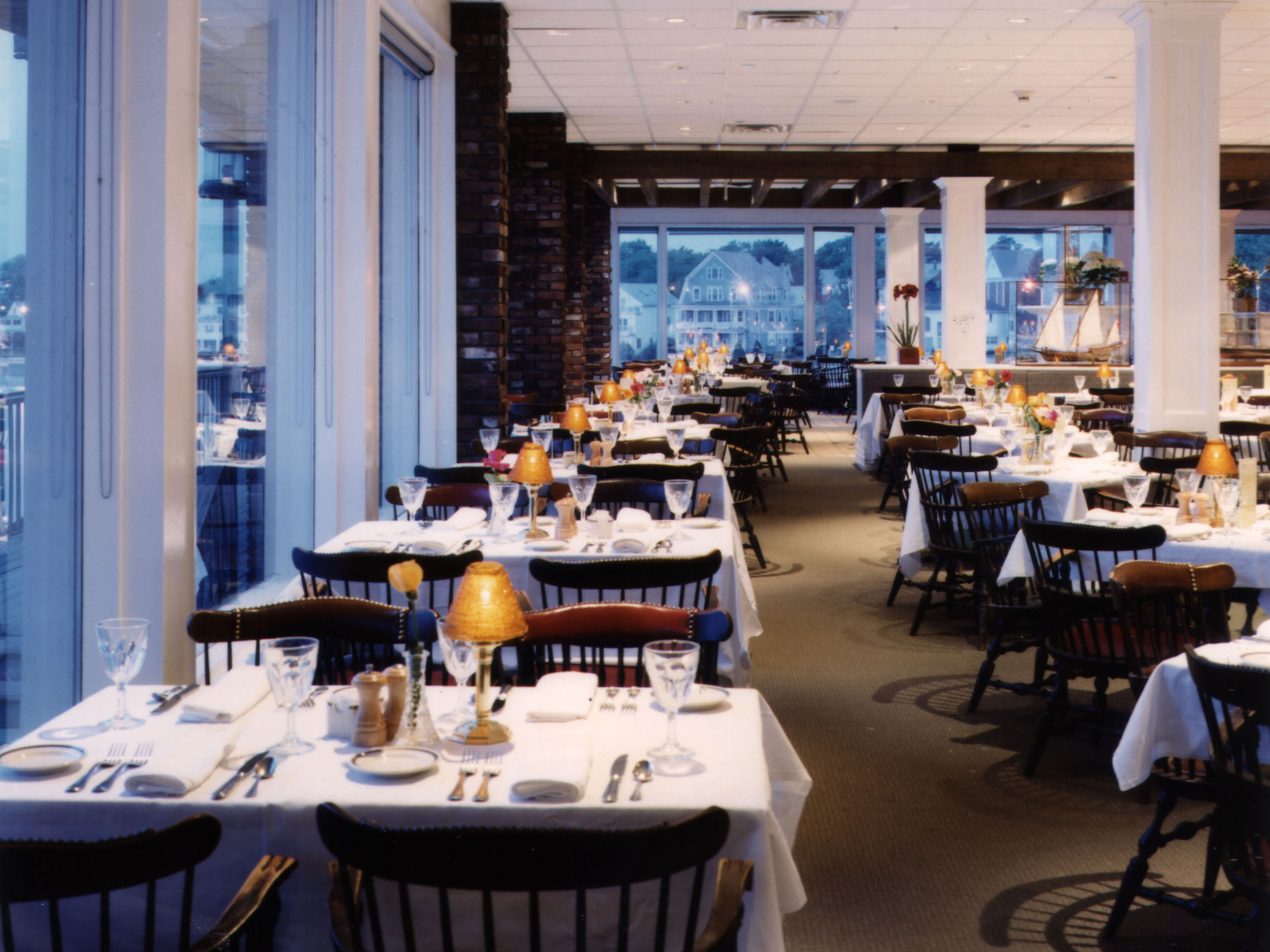 Hawthorne by the Sea Dining