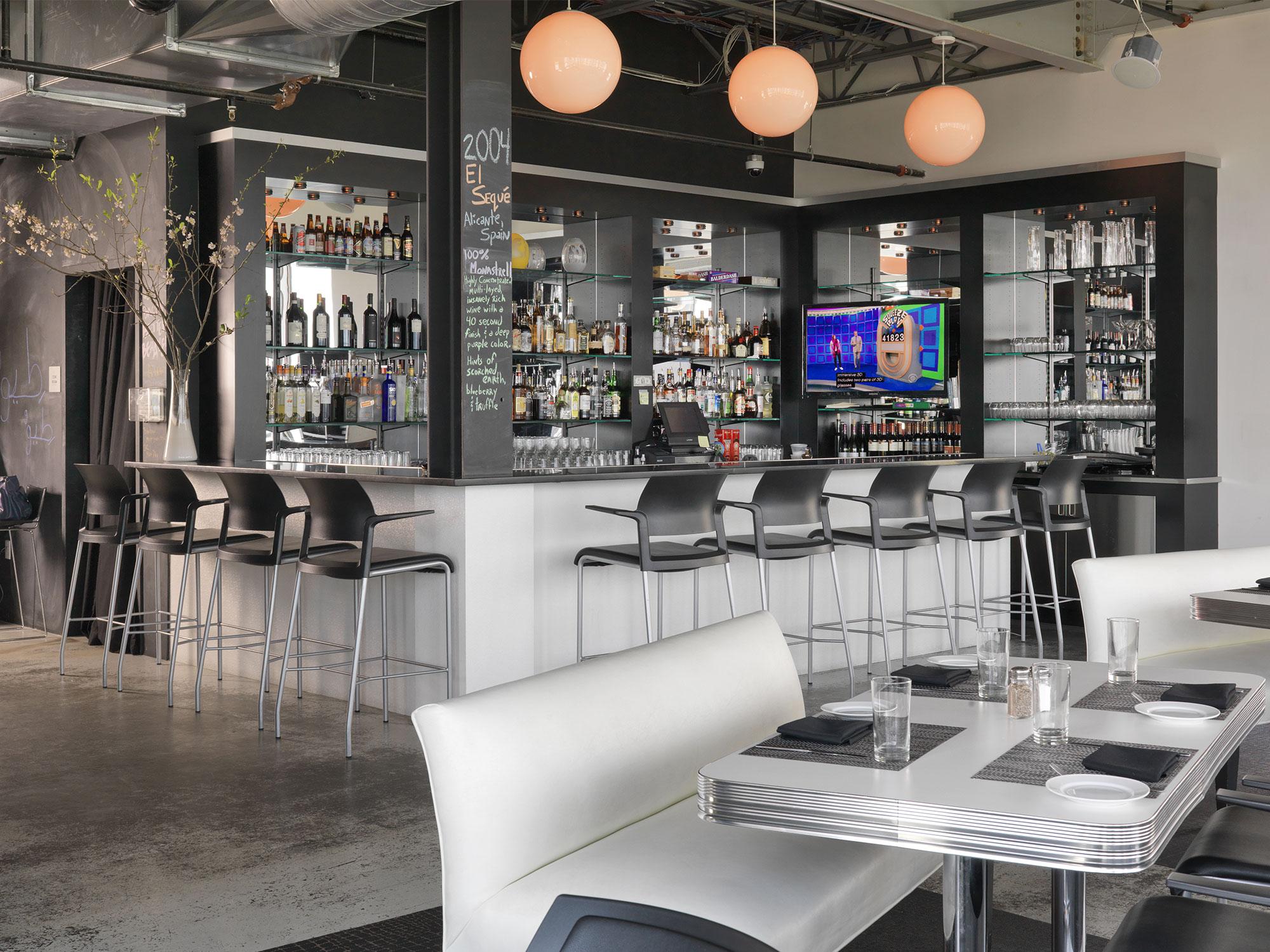 Louis Restaurants